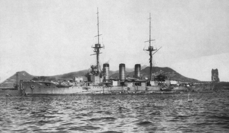 Name:  Japanese_cruiser_Ibuki_ca_1910.jpg Views: 2287 Size:  112.5 KB