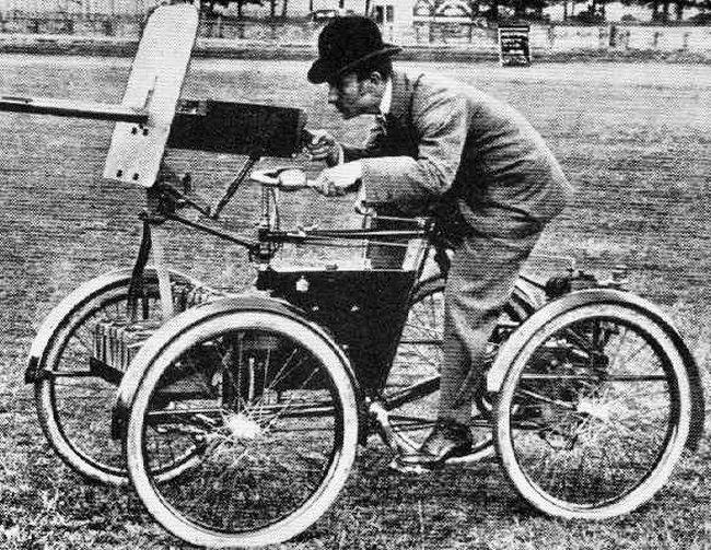 Name:  strange-tank-Armoured-Quadricycle-1899.jpg Views: 71 Size:  137.5 KB