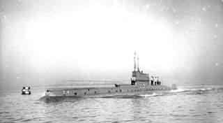 Name:  HMSubmarineD8.jpg Views: 434 Size:  10.1 KB